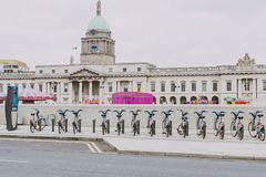 The Custom House building in Dublin city centre and surrounding Royalty Free Stock Photos
