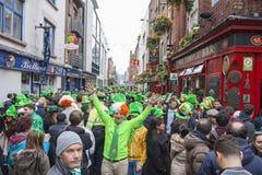 DUBLIN, IRLAND - 17. MÄRZ: St Patrick Tagesparade in Dublin Stockfotos