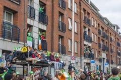 DUBLIN, IRLANDA - 17 DE MARÇO: Parada do dia de St Patrick em Dublin Imagens de Stock