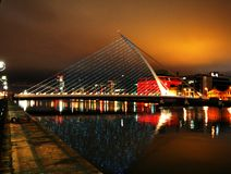 Dublin nachts lizenzfreies stockfoto