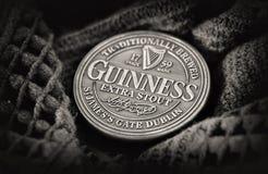 Dublin Nov 23 2017: Berömt svart irländskt bästa för flaska som in påbörjas Fotografering för Bildbyråer