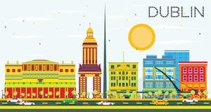 Dublin Skyline avec les bâtiments de couleur et le ciel bleu Photo stock