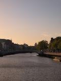 Dublin Waterway an der Dämmerung Lizenzfreie Stockfotografie