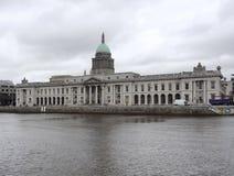 Dublin z Obyczajowym domem Fotografia Royalty Free
