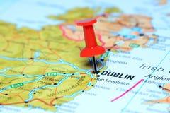 Dublino ha appuntato su una mappa di Europa immagine stock libera da diritti