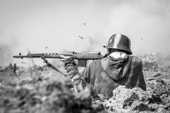 DUBOSEKOVO Moskwa oblast festiwalu słupa BOYA pole bitwy, 7-9 AUG 2015 odbudowa bitwa 1941-1945 zdjęcie royalty free