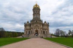 dubrovitsy的教会 免版税库存照片