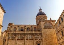 Dubrovnik antagandedomkyrka i mitt av den gamla staden i Dubrovnik, Kroatien Arkivbild