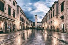 DUBROVNIK, CROATIE - 10 SEPTEMBRE 2017 : Stradun Placa, la rue principale de la vieille ville de Dubrovnik images libres de droits