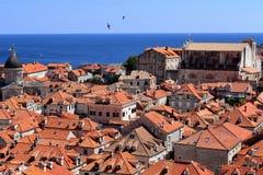 Dubrovnik-Dachspitzen lizenzfreie stockbilder