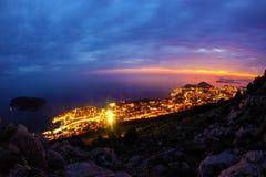 Dubrovnik en la puesta del sol imagenes de archivo