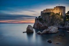 Dubrovnik et temps de coucher du soleil photos libres de droits