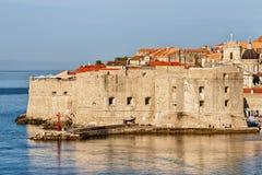 Dubrovnik-Festung und adriatisches Meer Stockfotografie
