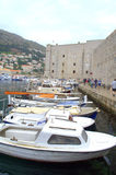 Dubrovnik gamla stadfartyg Arkivfoton