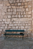 Dubrovnik, Katze auf Bank Stockfoto
