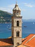 Dubrovnik Kościelny wierza w południe Chorwacja - Fotografia Royalty Free