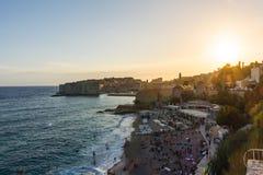 Dubrovnik Kroatië tijdens Zonsondergangmening over Oude Stadscityscape Bea Stock Afbeelding