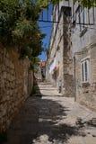 Dubrovnik, Kroatien, schmale Gasse in der alten Stadt Lizenzfreies Stockbild