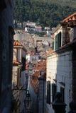 Dubrovnik, Kroatien, schmale Gasse in der alten Stadt Lizenzfreie Stockfotos