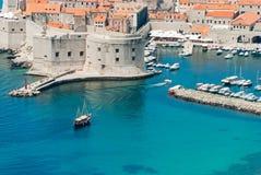 Dubrovnik Kroatiensikt från avstånd Royaltyfri Foto