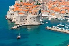 Dubrovnik Kroatiensikt från avstånd Arkivfoton
