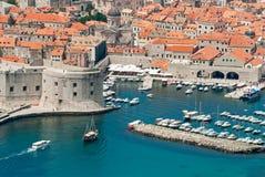 Dubrovnik Kroatiensikt från avstånd Fotografering för Bildbyråer
