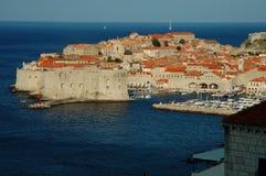 Dubrovnik, la ciudad vieja en la costa de mar adriática Imágenes de archivo libres de regalías