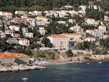 Dubrovnik, la Croatie, littoral de Ploce et Banje échouent Image stock