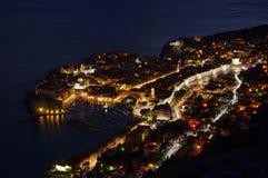 Dubrovnik natt arkivfoton