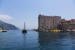 Dubrovnik - pärlan av den Adriatiska havet kusten Royaltyfri Fotografi