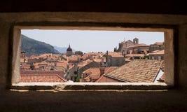 Dubrovnik par l'hublot Photographie stock libre de droits