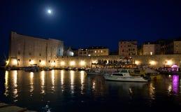 Dubrovnik par nuit Images libres de droits