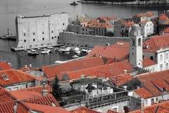 Dubrovnik röda tak Arkivbild