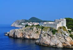 Dubrovnik-` s Gibraltar und das Meer lizenzfreie stockfotos