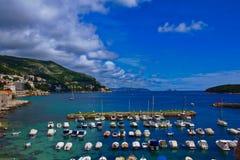 Dubrovnik ` s stary schronienie widzieć od starych grodzkich miasto ścian fotografia royalty free
