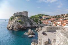 Dubrovnik. St. Lawrence Fortress en muren van oude stad Royalty-vrije Stock Foto's