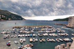 Dubrovnik stormig port, Kroatien Arkivbilder