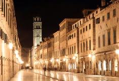 Dubrovnik - Stradun bis zum Nacht Lizenzfreie Stockfotos