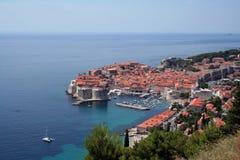Dubrovnik tegen dag Stock Foto's