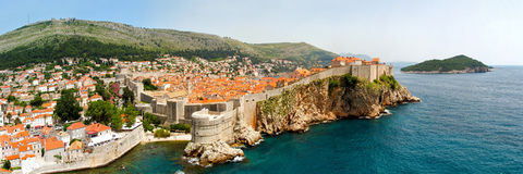 Dubrovnik ummauert Panorama stockfotos
