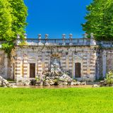 Ducal Aglie ` fontanny cztery i kasztelu rzeki w Podgórskim, Włochy Obraz Stock