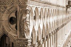 Ducal slott - detalj (sepia), Venedig Royaltyfria Foton