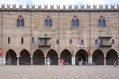 Ducal slott i Mantua Royaltyfri Foto