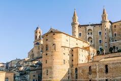 Ducale slott i den Urbino staden, Marche, Italien Arkivbild