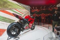 Ducati Panigale R moped på EICMA 2014 i Milan, Italien Arkivbild
