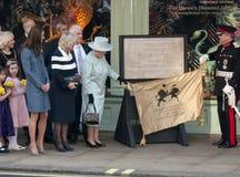 Duchessa di Cornovaglia, Elizabeth II, regina, regina Elizabeth, regina Elizabeth II, regina Elizabeth \ Immagini Stock Libere da Diritti