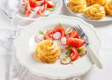 Duchesse-Kartoffeln mit Pilzen Stockfotos