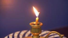 Duchowości świeczki palenie w candlestick zbiory
