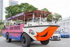 Duck Tours Near Victoria Theatre und National Gallery Singapur, stockbilder
