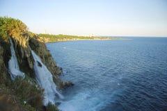 duden водопад индюк antalya Среднеземноморской seashore Стоковое Изображение RF